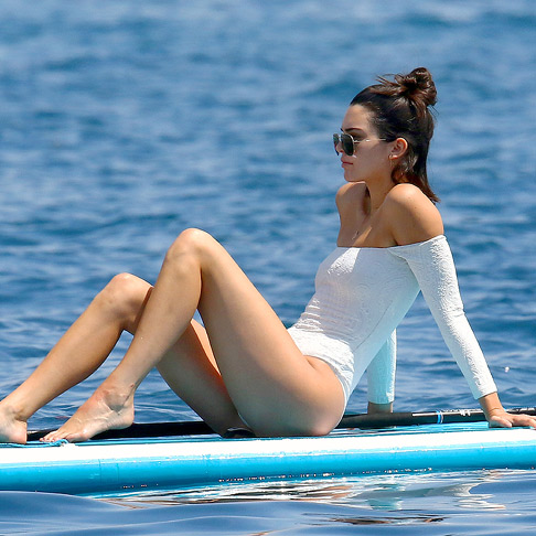 'Paddle surf': el deporte para lucir cuerpazo (como Kendall Jenner)